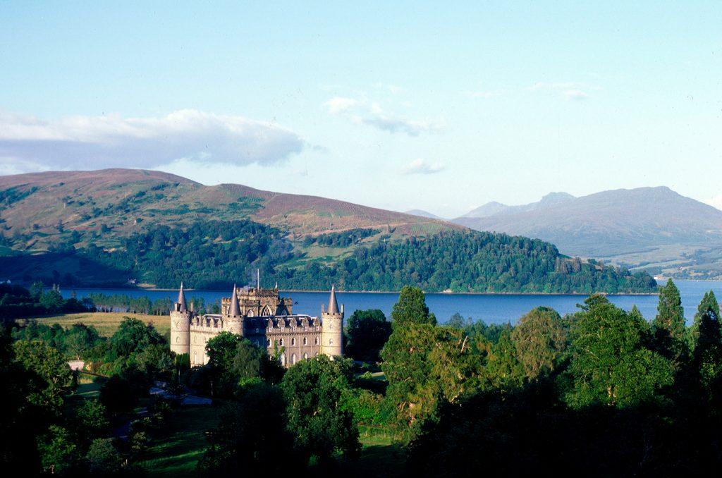 Castillo Inverarayp aisaje tour escocia scotlandtrips