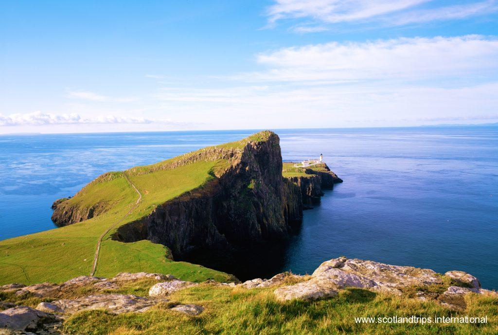 Neist point lighthouse faro tour escocia scotlandtrips