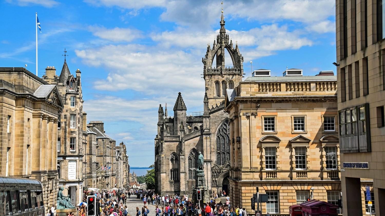 Royal Mile-Edimburgo-Edinburgh-ScotlandTrips