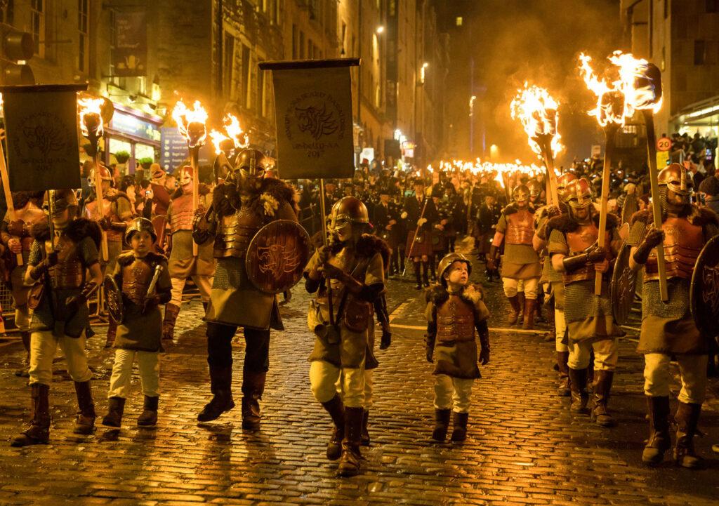 tours-por-escocia-tours-in-scotand-viajes-travel-vacaciones-holidays-scotlandtrips-international-navidad-christmas-hogmanay-edimburgo-edinburgh